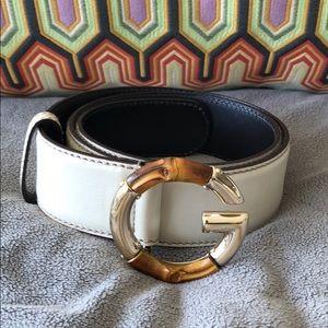Gucci belt in cream